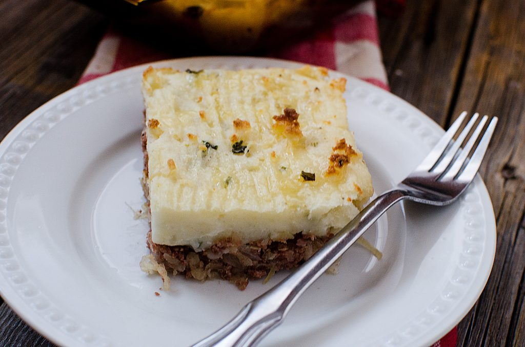 Corned Beef Shepherds Pie Recipe is the perfect family dinner for St. Patricks Day. So easy to make and tastes amazing. A great winter comfort food!