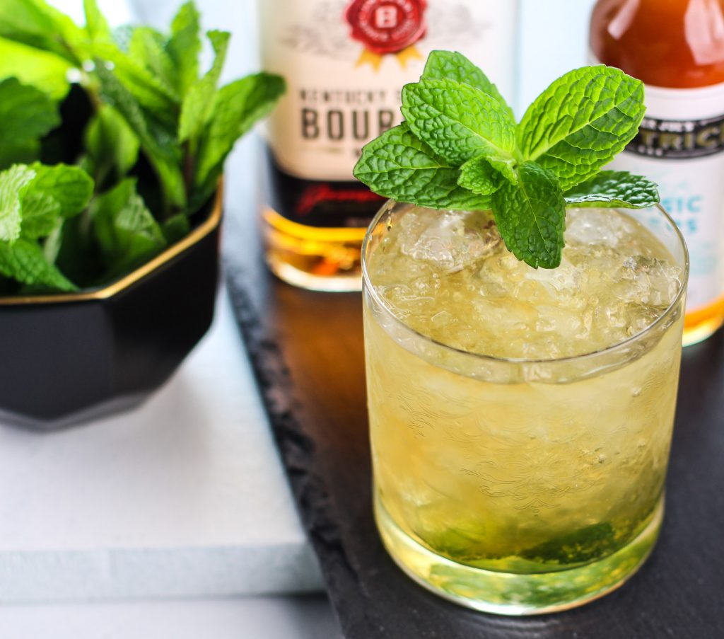How to make an Best Easy Classic Mint Julep Cocktail Recipe perfect for the Kentucky Derby or any spring/summer day.
